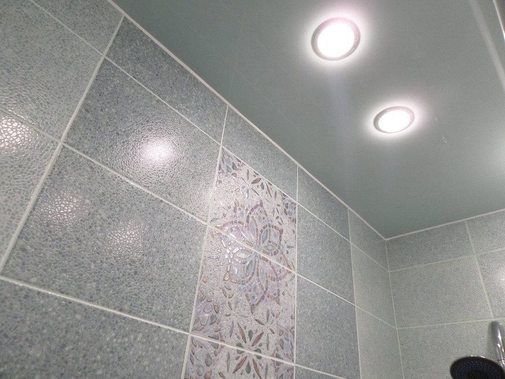 Подвесные потолки в ванной комнате своими руками: инструкции по монтажу от мастера