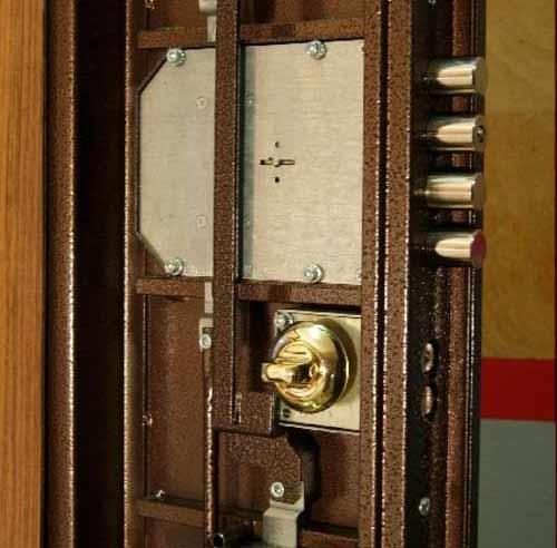 Ремонт доводчика двери: какие неисправности можно устранить самостоятельно и как это правильно сделать