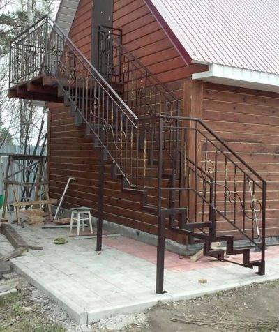 Лестница в бане: инструкция по установке