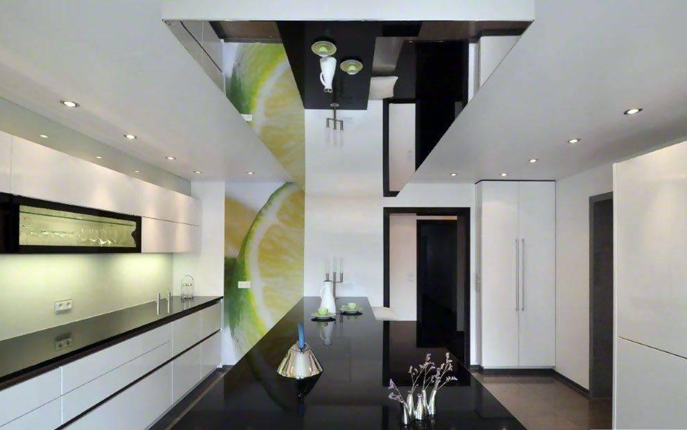 Зеркальный потолок в дизайне интерьера