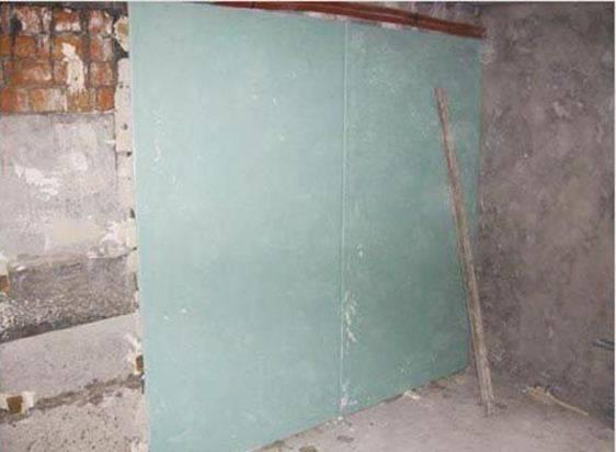 Внутренняя отделка стены гипсокартоном без каркаса и профиля видео