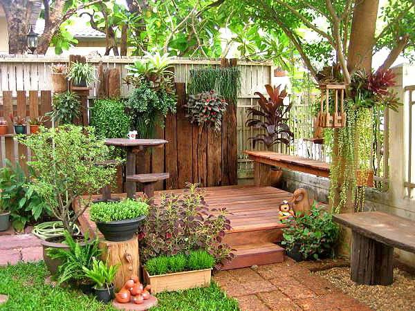 Двор частного дома: 33 фото клумб, бани и летней кухни