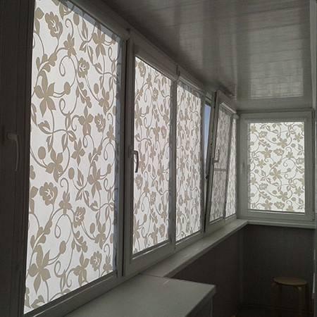 Рулонные шторы на балкон и лоджию: примеры с фото