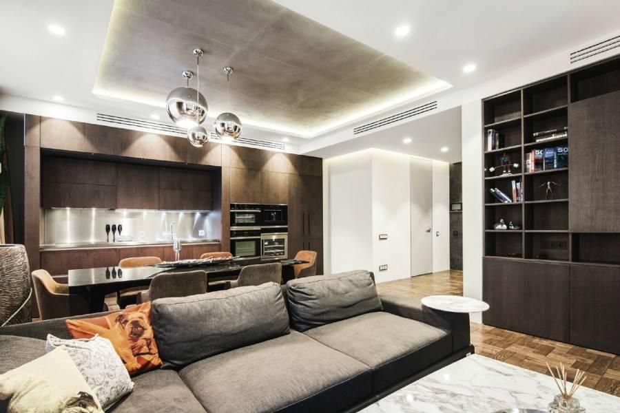 Синий потолок в комнате: дизайнерские идеи, 70+ вдохновляющих фото