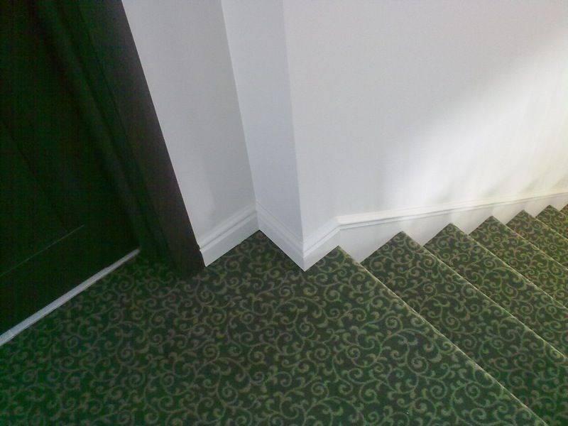 Отделка лестницы ковролином и ковровыми покрытиями: фото, видео инструкция
