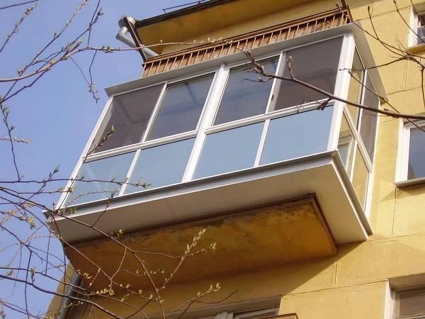 Как правильно остеклить маленький балкон. плюсы и минусы вариантов остекления