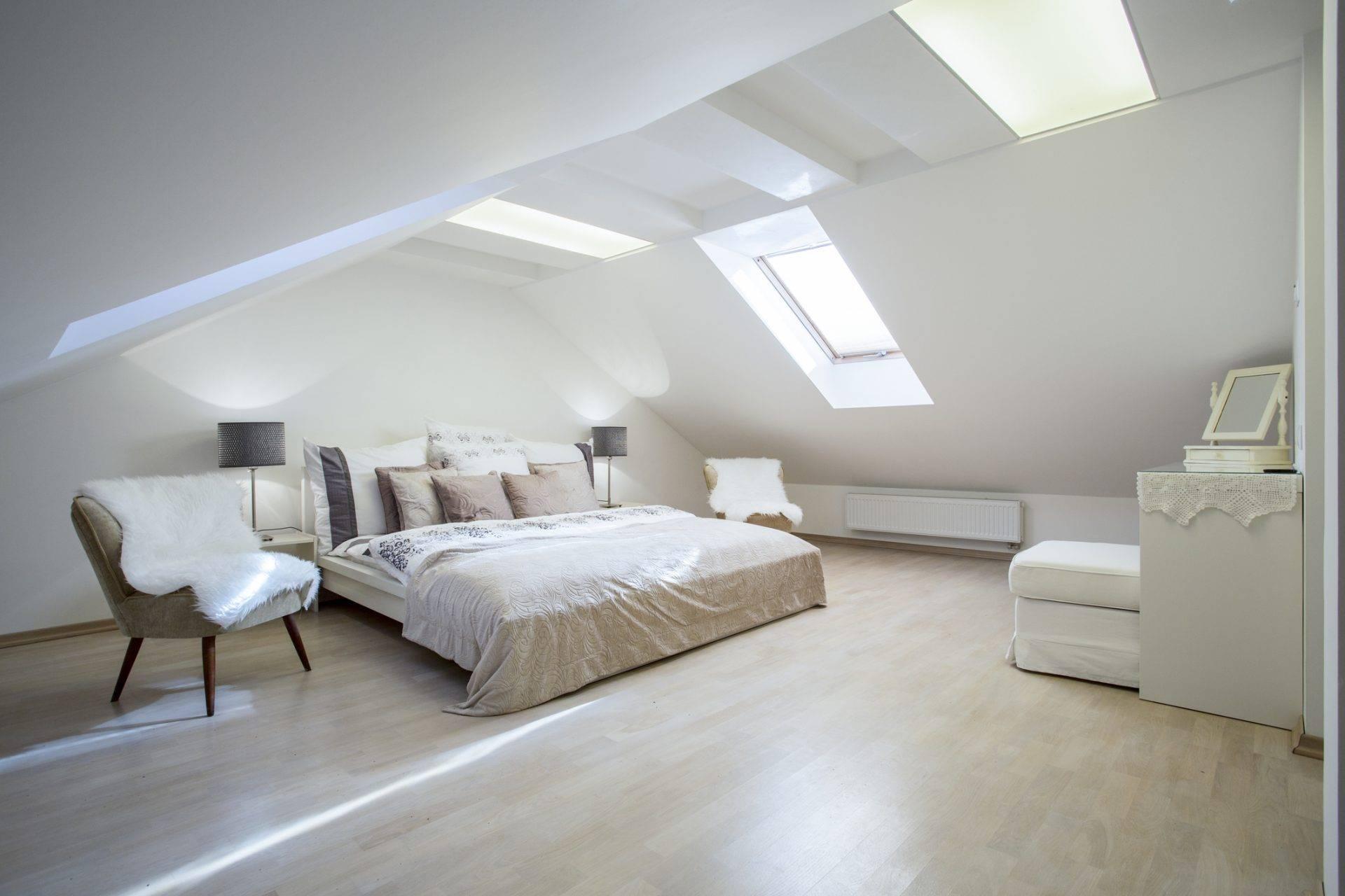 Спальня на мансарде: особенности и преимущества, 75 вдохновляющих идей спальни на мансарде