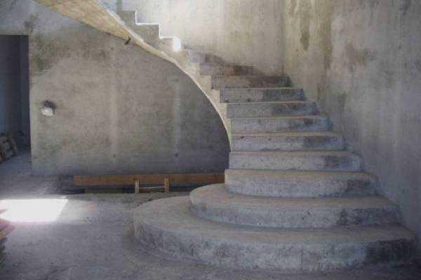Бетонная лестница в доме: устройство, инструкция