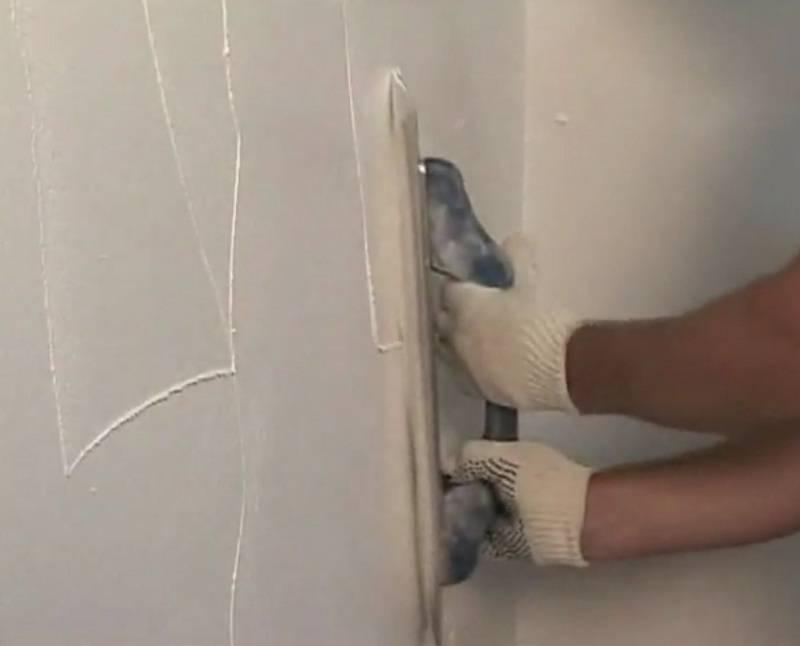 Чем и как выровнять стены под обои: материалы и этапы работ