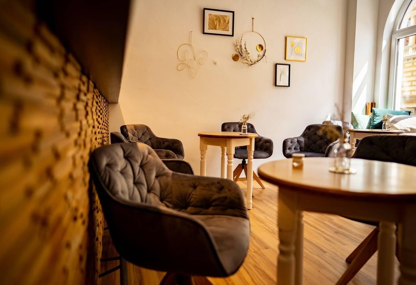 Модульная стенка в гостиную: советы по выбору оптимальной стенки