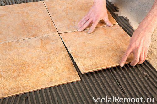 Как своими руками класть керамическую плитку на стену в ванной