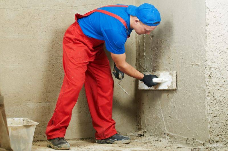Советы мастеров: как правильно штукатурить внутренние и внешние углы стен?
