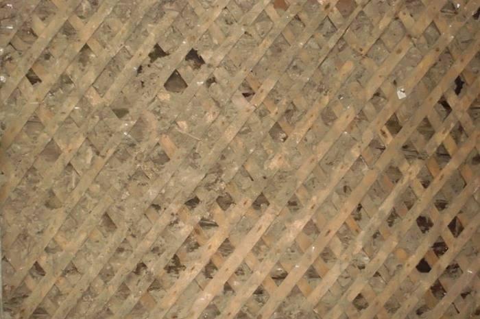 Как правильно наносить штукатурку на деревянные стены внутри жилого дома