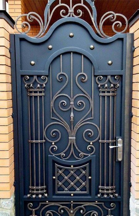 Особенности выбора и изготовления входных дверей с ковкой