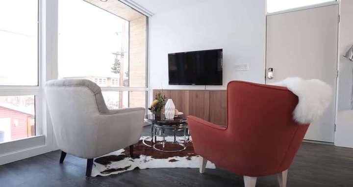 Дизайн интерьеров и мебели от икеа: реальные квартиры, готовые спальня и детская, шкафы, коллекции экет и бесто, фотосессия, фото