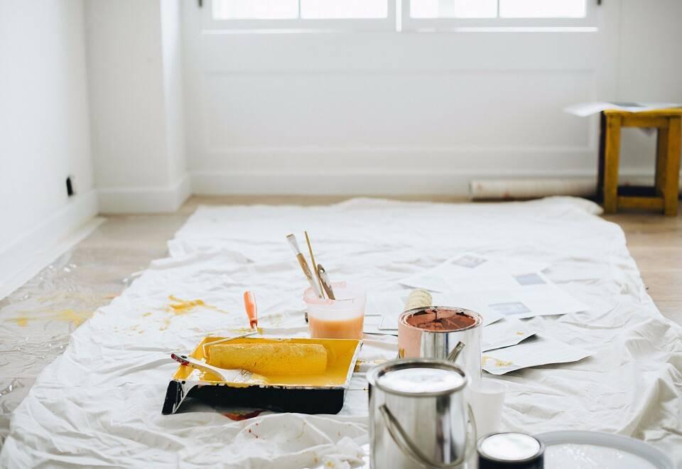 Покраска стен в интерьере: 80+ избранных фото и современных примеров отделки