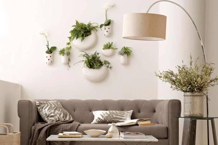 Декор стены в гостиной (51 фото): чем украсить, чтобы было уютно в комнате, как декорировать настенными рисунками и росписью