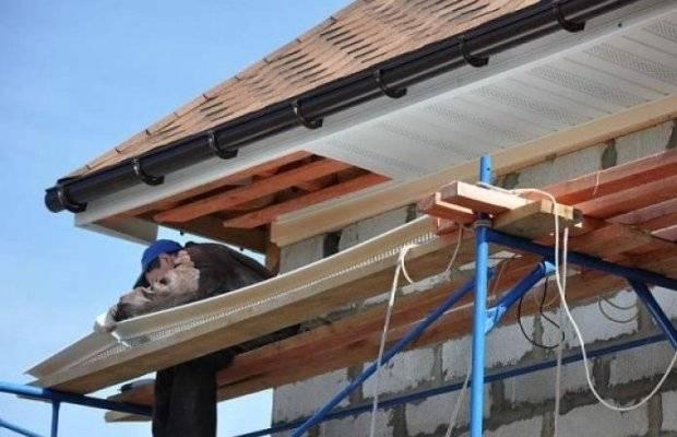 Монтаж софитов на карниз крыши — где и зачем нужна подшивка