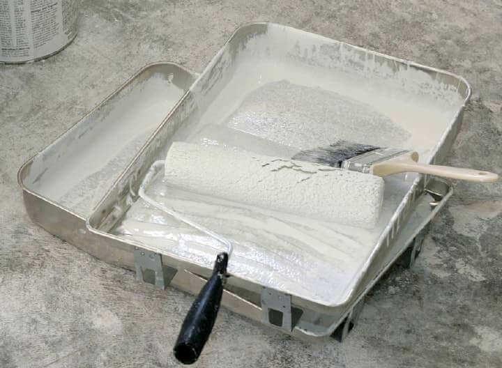 Нужна ли грунтовка для гипсокартона под шпаклевку: типы материала и особенности нанесения