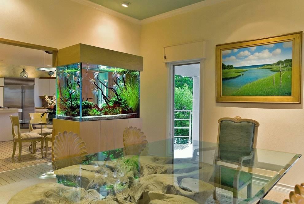 Аквариум в интерьере: виды и формы для разных комнат