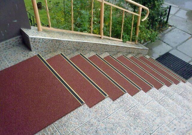 Резиновое покрытие для крыльца на улице - виды, монтаж