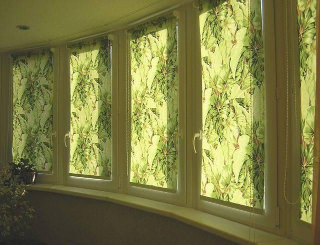 Чем закрыть окна на балконе от солнца: заклеить, защитить, затемнить