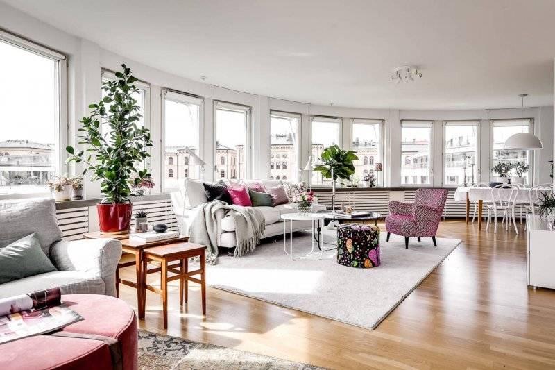 Стулья для гостиной (72 фото): красивые мягкие изделия с подлокотниками для зала в стиле «классика», элитные и стильные варианты