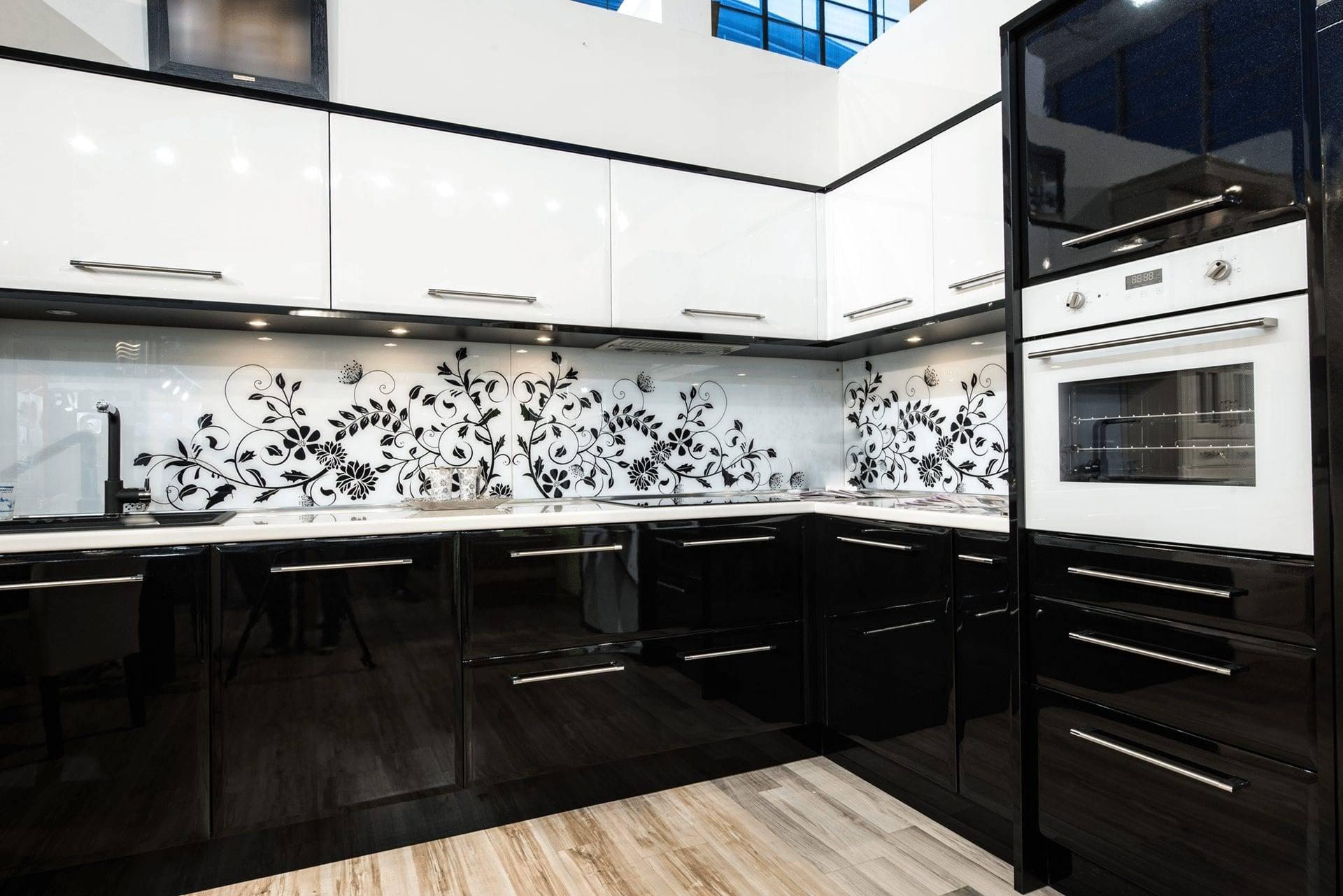 Маленькая кухня: 100+ реальных фото, планировка, стили, цвет и рисунок