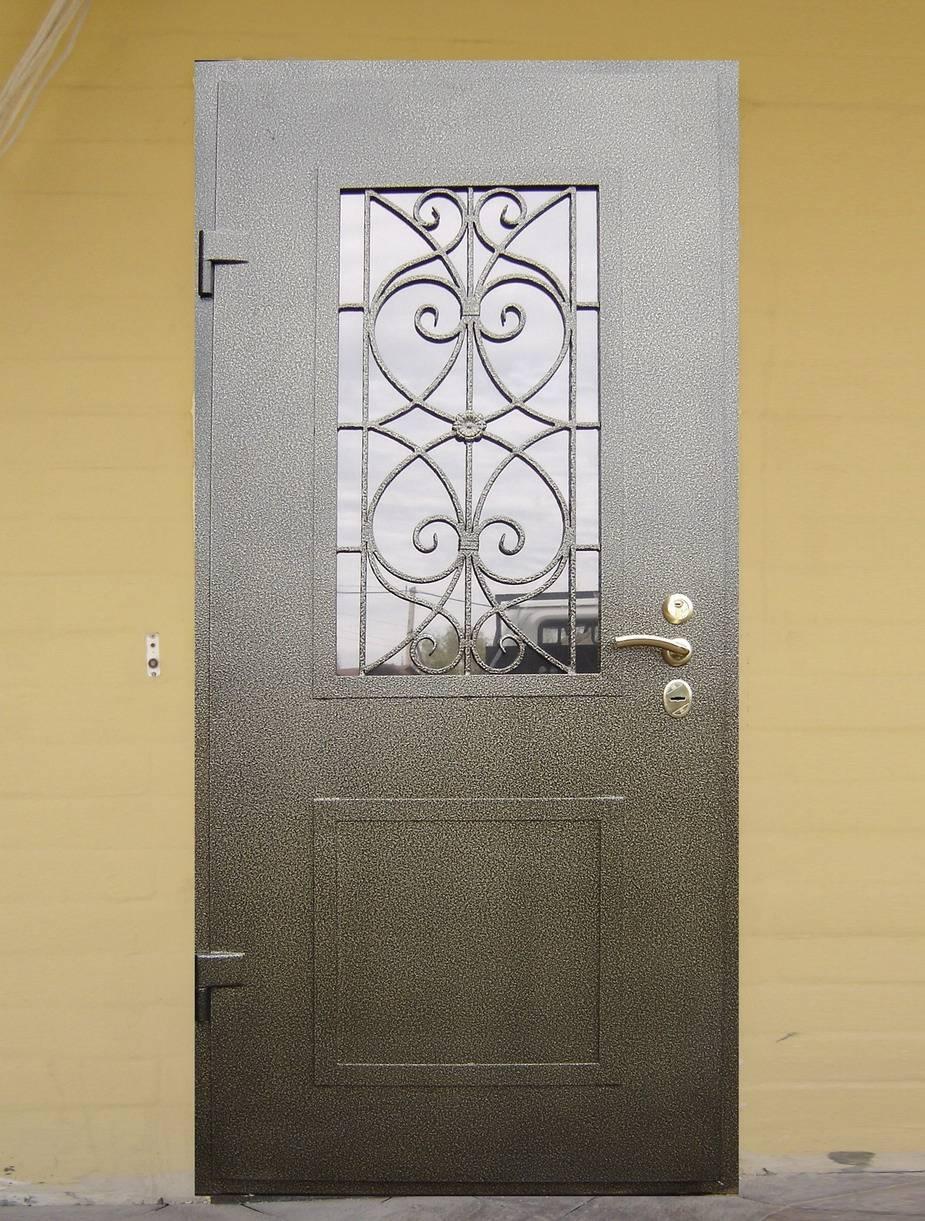 Описание различных решетчатых конструкций и рекомендации по выбору таких дверей