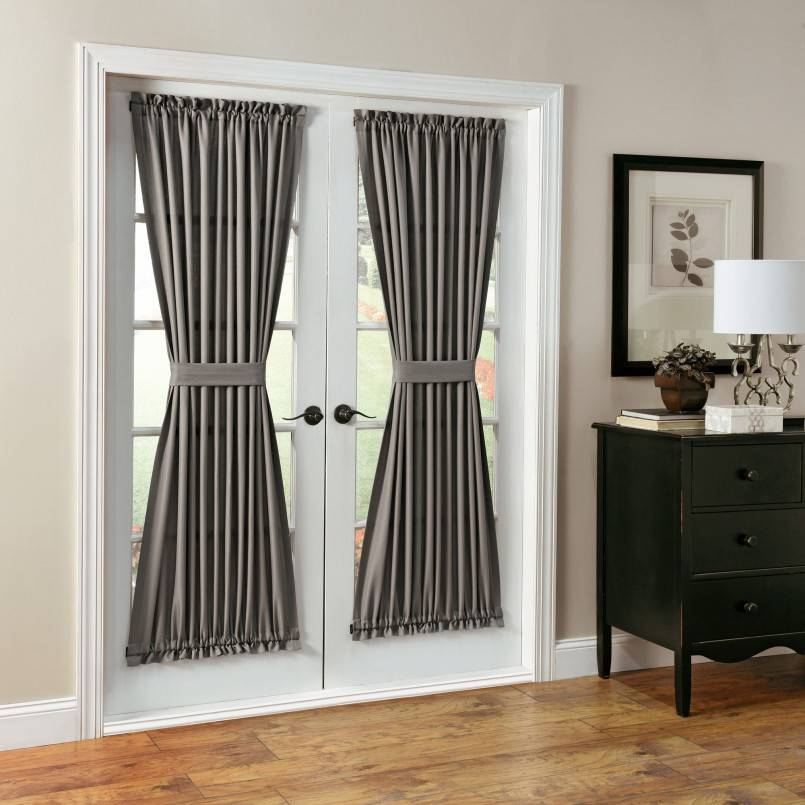 Декоративные шторы на дверной проем: как создать особый интерьер своими руками