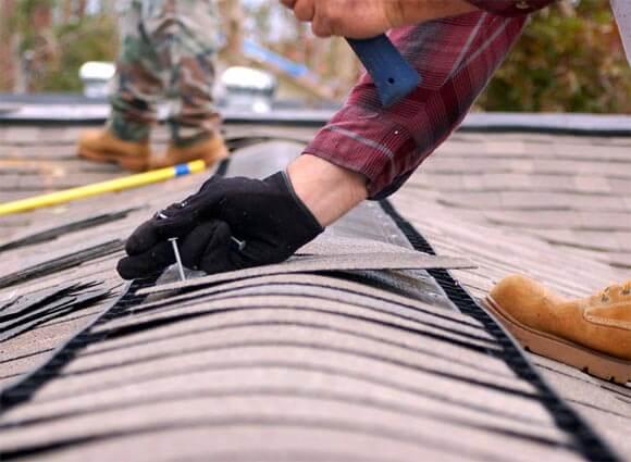 Куда обращаться, если в многоквартирном доме течет крыша