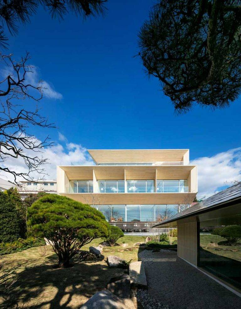 Отделка фасада дома: лучшие отделочные материалы и рекомендации по их применению (100 фото)