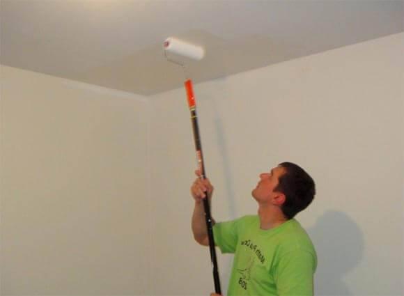 Как покрасить потолок: технология нанесения красок разных типов (120 фото)
