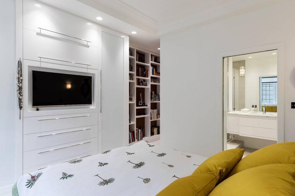 Телевизор в спальне - 100 фото необычных решений сочетания