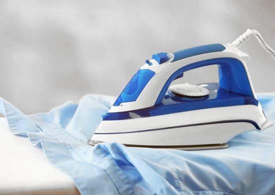 Чем отстирать клей с одежды и вывести пятна – способы