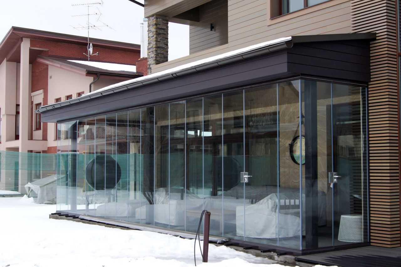 Остекление террасы и веранды конструкциями с алюминиевым профилем — фото дизайнерских решений