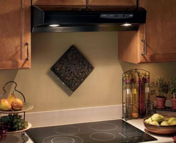 Нужна ли вытяжка на кухне: с электрической и газовой плитой, для чего