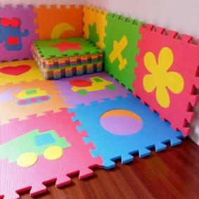 Какой пол или напольное покрытие лучше для детской комнаты в вашей новой квартире?