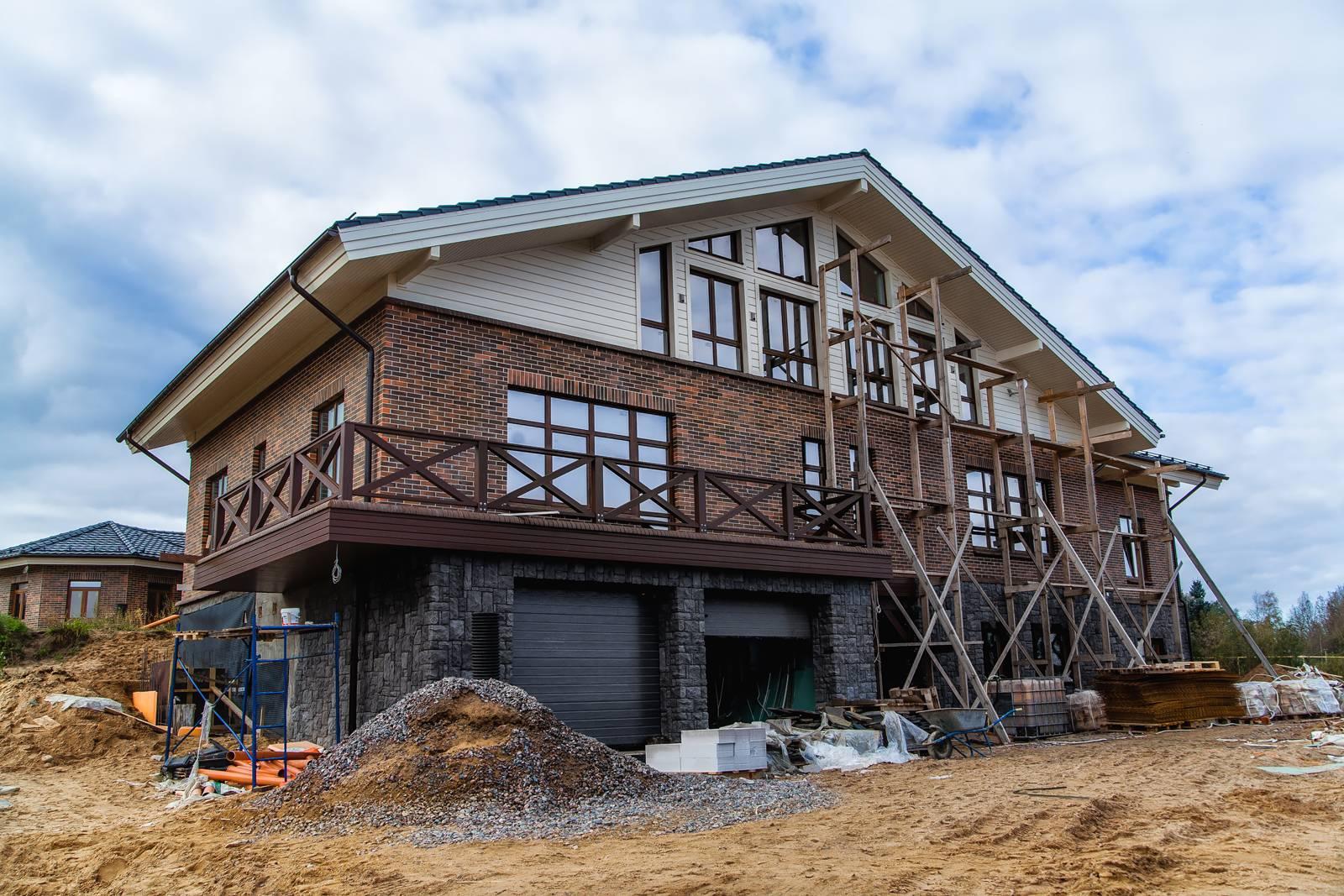Комбинированные дома из камня и дерева (51 фото) — проекты, преимущества, особенности строительства