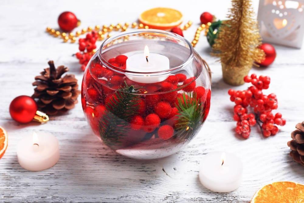 Оформление камина на новый год: как украсить с помощью гирлянд, хвои, игрушек и других предметов декора