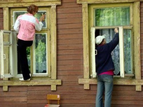 Как восстановить старые оконные рамы: ремонт и реставрация своими руками