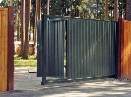 Как правильно сварить откатные ворота из профтрубы