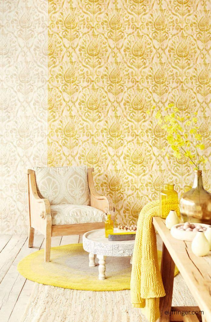 Дизайн с золотыми обоями: особенности оформления, виды, сочетания, фото