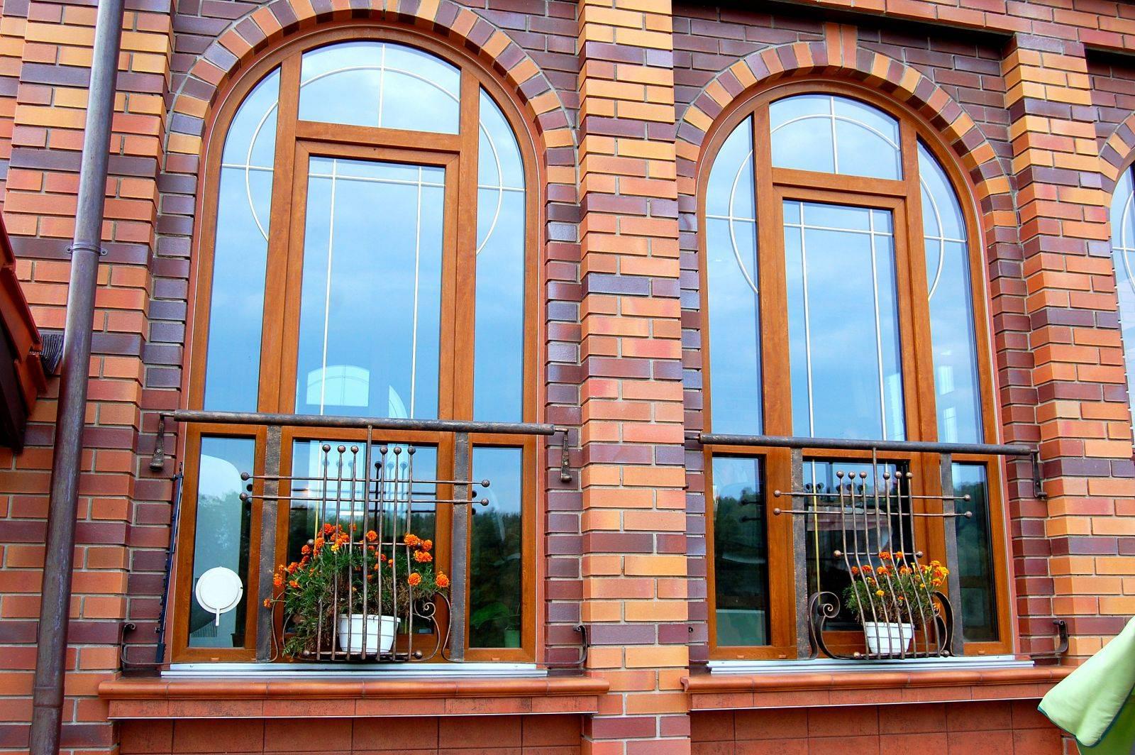 Шпросы на окна (44 фото): декоративная раскладка в стеклопакете пластиковых и деревянных окон, белые и золотые, коричневые накладные шпросы