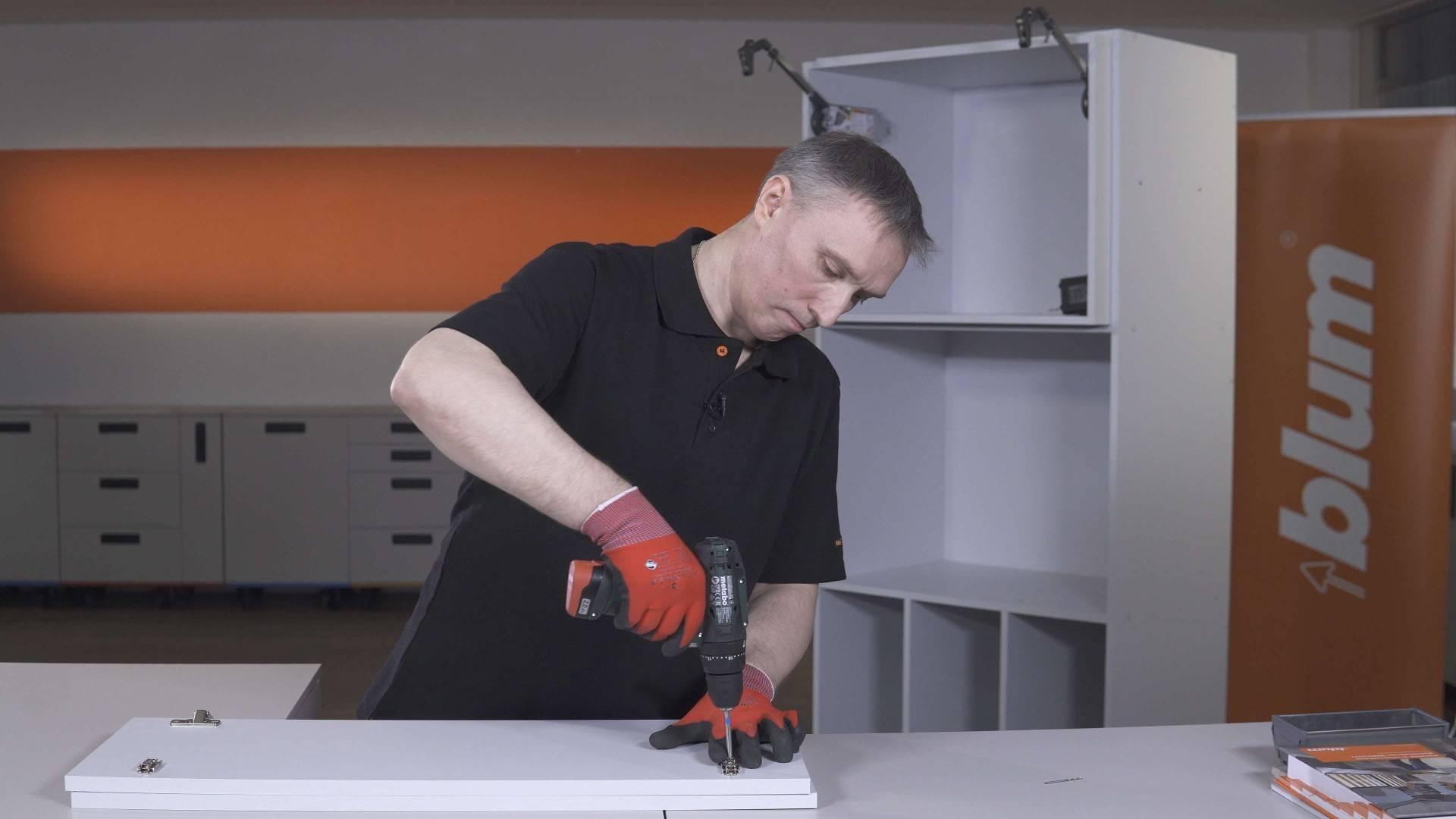 Мебельная фурнитура и системы компании blum