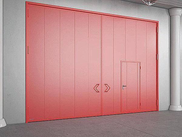 Как сделать металлические распашные гаражные ворота своими руками?