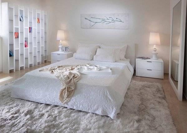 Ковры с длинным ворсом однотонные черные и белые овальные шерстяные в интерьере, как почистить в домашних условиях