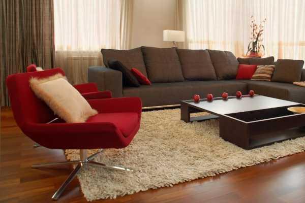 Правила выбора ковра для современного интерьера, советы по выбору цвета, размера и формы, какой ковер нужен в гостиную, спальню или столовую - 31 фото