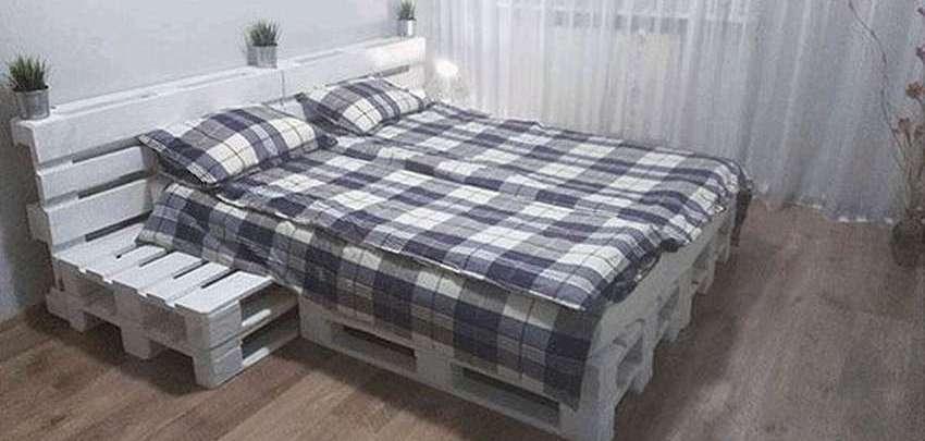 Кровать из поддонов своими руками пошагово: фото этапов и готовых моделей