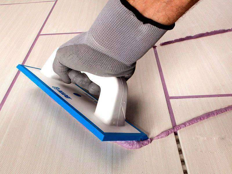 Как затирать швы на плитке на стене: правильная затирка швов плитки на стене
